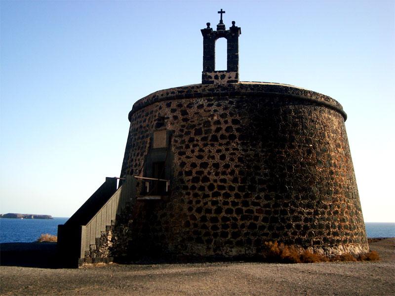 Fotografía del Castillo del Águila o la torre de Las Coloradas
