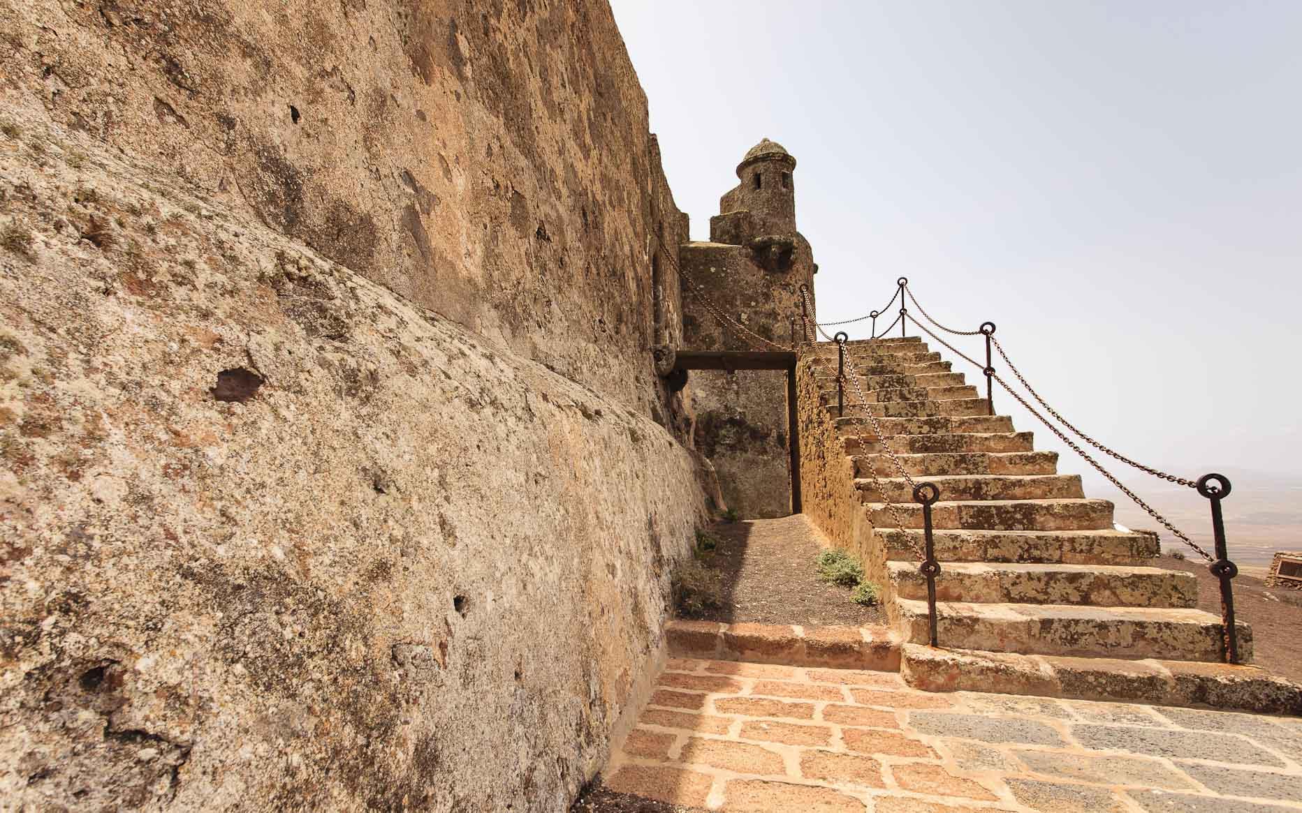 Detalle del castillo de Guanapay (Teguise), por Ramón Pérez Niz