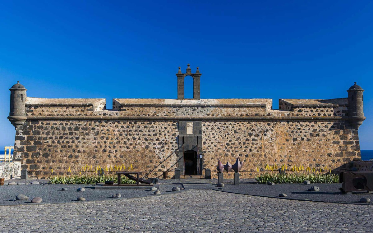 El Castillo de San José hoy es un Museo Internacional de Arte Contemporáneo