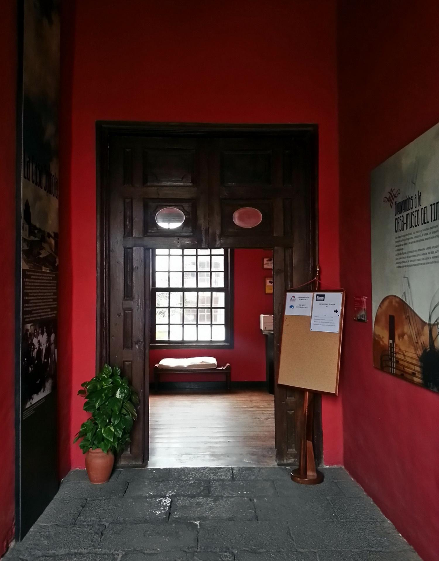Entrada al Palacio Spínola
