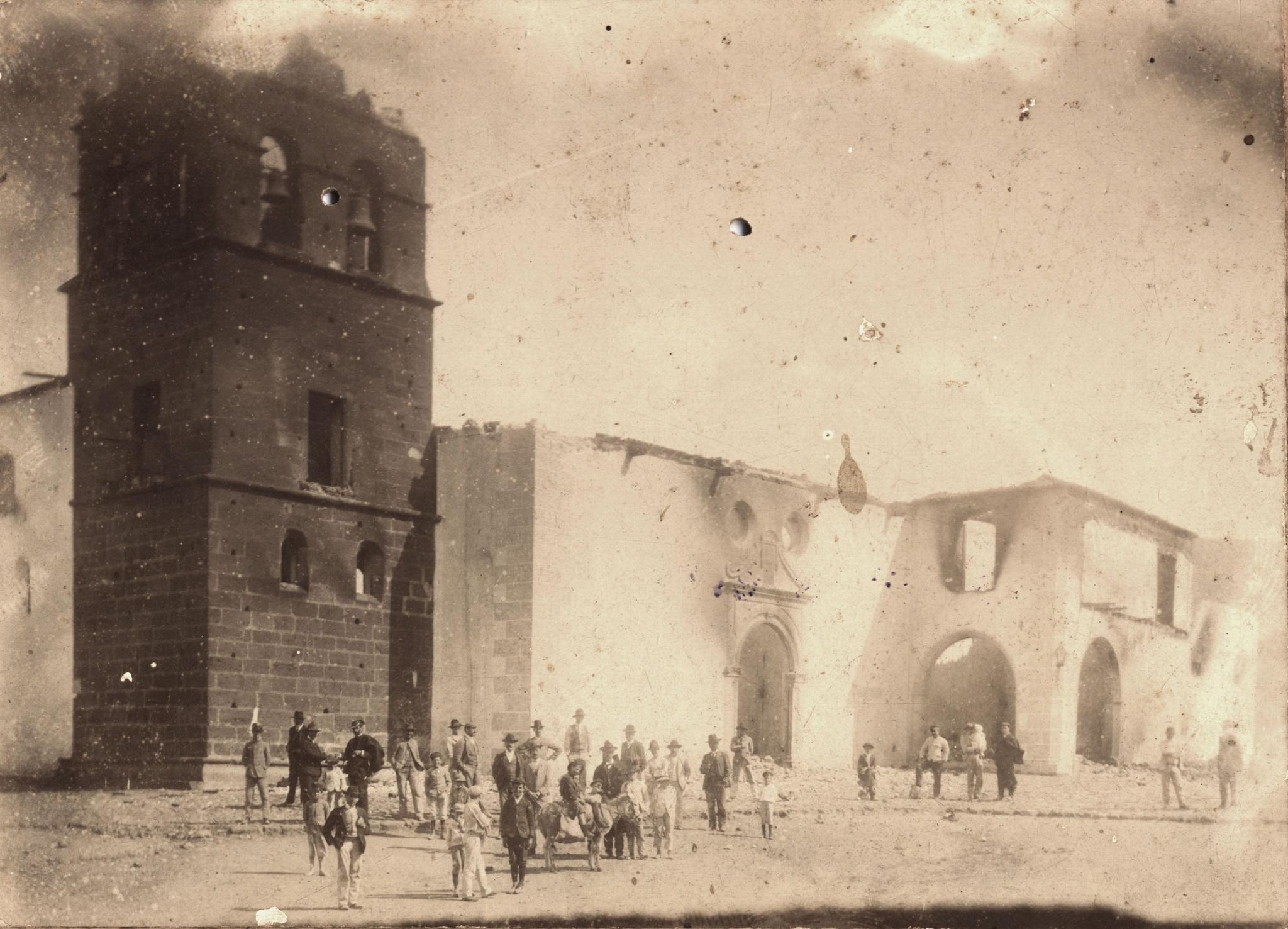 La iglesia incendiada en 1909