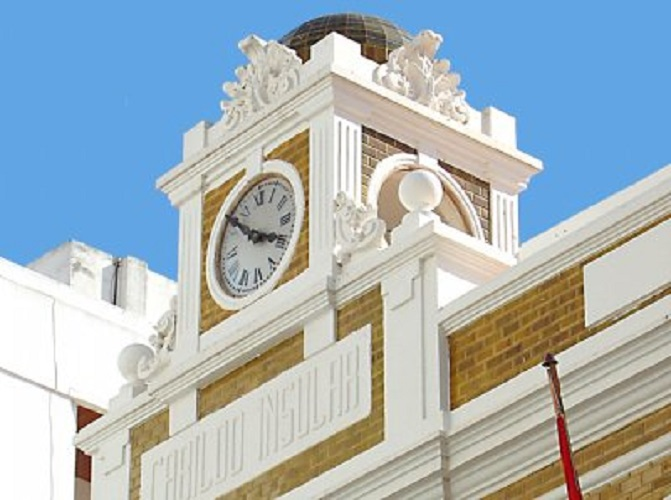 Reloj de la Casa Amarilla