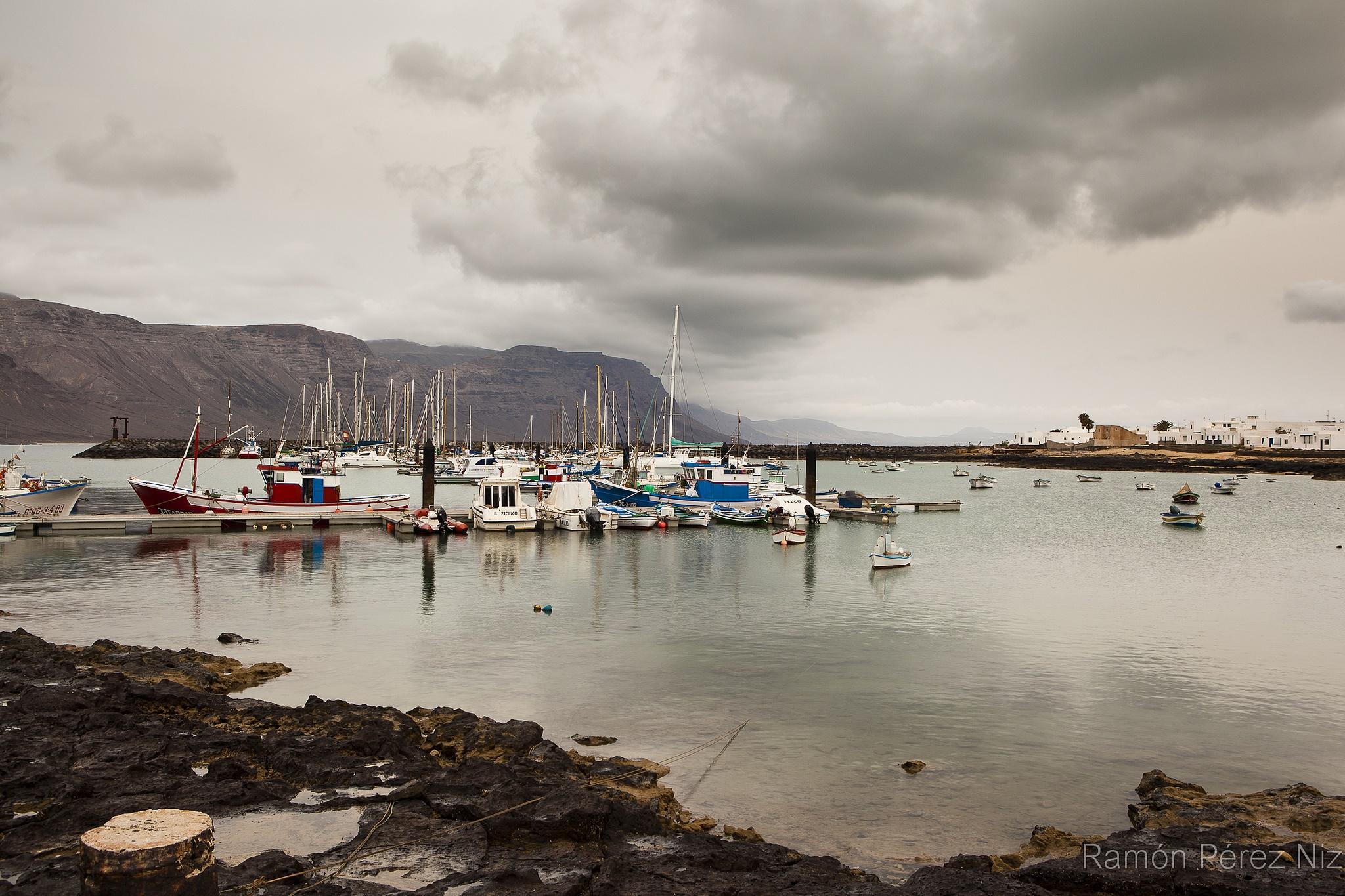 Caleta del Sebo, Puerto, fotografía de Ramón Pérez Niz